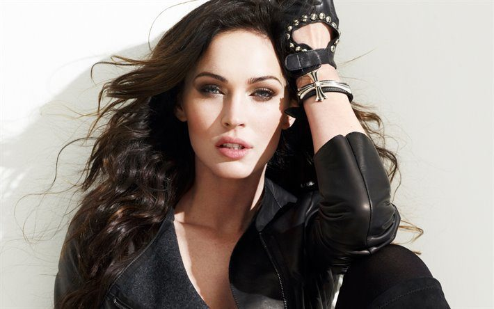 10 Most Attractive Female Celebrities in The USA