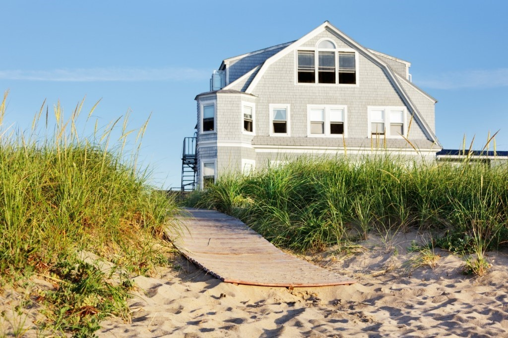 Ditch the Hotel Room: 8 Great Reasons to Go With Vacation Home Rentals